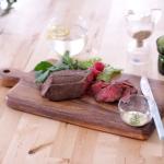 【炊飯器で簡単】自家製ローストビーフのレシピ <北欧ディル×わさびソース>