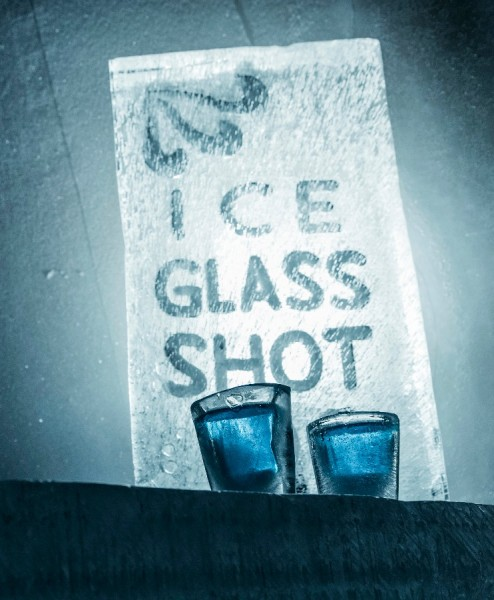 ice-glasses-bar-arctic-snow-hotel-rovaniemi-lapland-finland-494x600